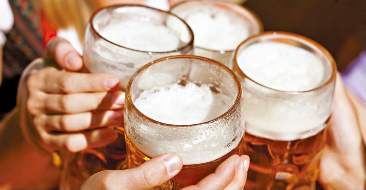 2017-04-28  專家:節制防假日心臟症候群 飲酒狂歡或致心律不正