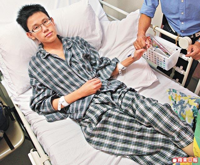等待換心續命的15歲少年歐陽佑目前在瑪麗醫院留醫,盼望有心人捐心延續生命。