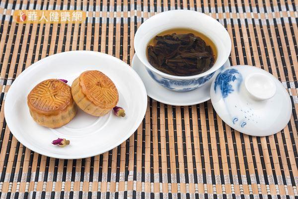 吃月餅必需注意總醣量的攝取,因為糖尿病患攝取總醣量與血糖相關。