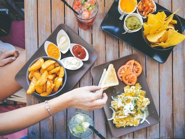 心臟和心血管疾病患者近年來日益增加,想維持心血管健康,就必須保持攝取少量澱粉和遠離零食的習慣。圖片來源:健康365