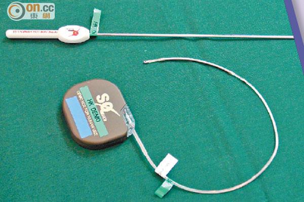 新型的全皮下植入式心臟除顫器的電池壽命約有五年。(陳錦輝攝)
