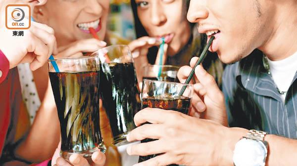 過量飲汽水或增心臟病風險。