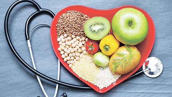 控制飲食有助降低膽固醇(網上圖片)