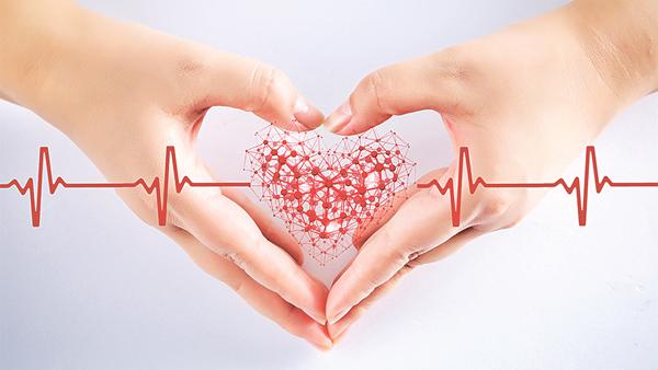 女性接受一次基本的心臟檢查,有助制訂長遠的預防心臟病方案。(網上圖片)