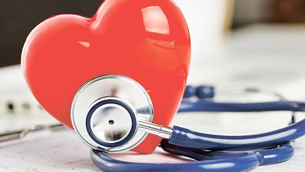醫生會考慮房顫病人的性別、年紀等多種因素,評估是否需要服薄血藥。(網上圖片)