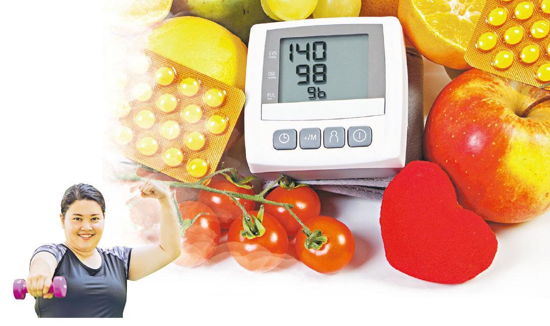 慎吃勤動——大部分高血壓患者都沒有徵狀,需要主動量度才知道血壓是否正常。健康飲食勤運動,根據醫生指示定時服藥,都有助控制血壓。(ratmaner、coffeekai@iStockphoto,模特兒與文中提及疾病無關)