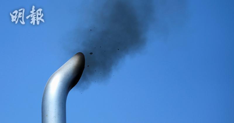 美國哈佛大學一項研究顯示,空氣污染對健康的損害可能甚於所想,空氣愈污濁、霧霾日子愈多,因心臟衰竭、尿道感染等求醫的長者亦會增加。(路透社)
