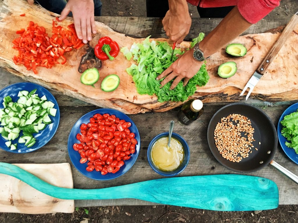 只要懂得挑選,素食的營養價值不見得遜於肉類。(Maarten van den Heuvel/unsplash)